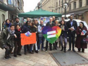 """Action pour la campagne """"Avançons ensemble"""" à la Place du Molard"""
